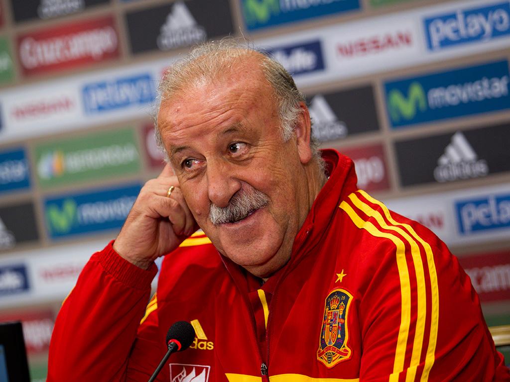 La Nazionale di Spagna rientra a Madrid: Fulmine colpisce l'aereo. Finisce l'avventura della Nazionale spagnola ai Mondiali in Brasile e dopo l'eliminazione, ha fatto rientro a casa con un grande spavento all'aeroporto Adolfo Suarez di Barajas.